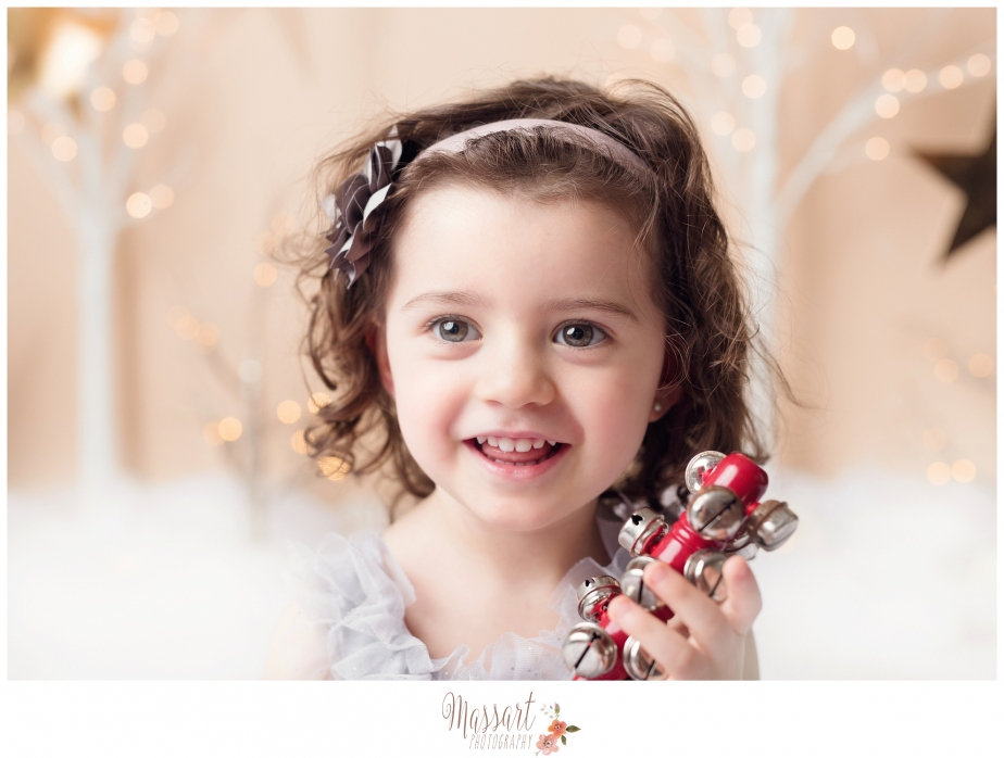 Holiday family mini session picture taken in studio by Massart photography RI MA CT
