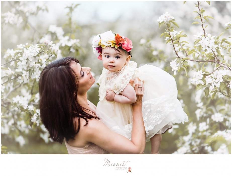 Mommy and me photo shoot in an orchard photographed by Massart Photography, RI MA CT.