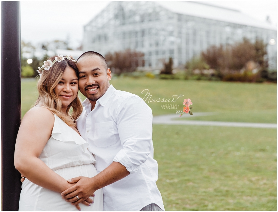 Mother and father to be maternity portraits at Roger Williams Park in Rhode Island