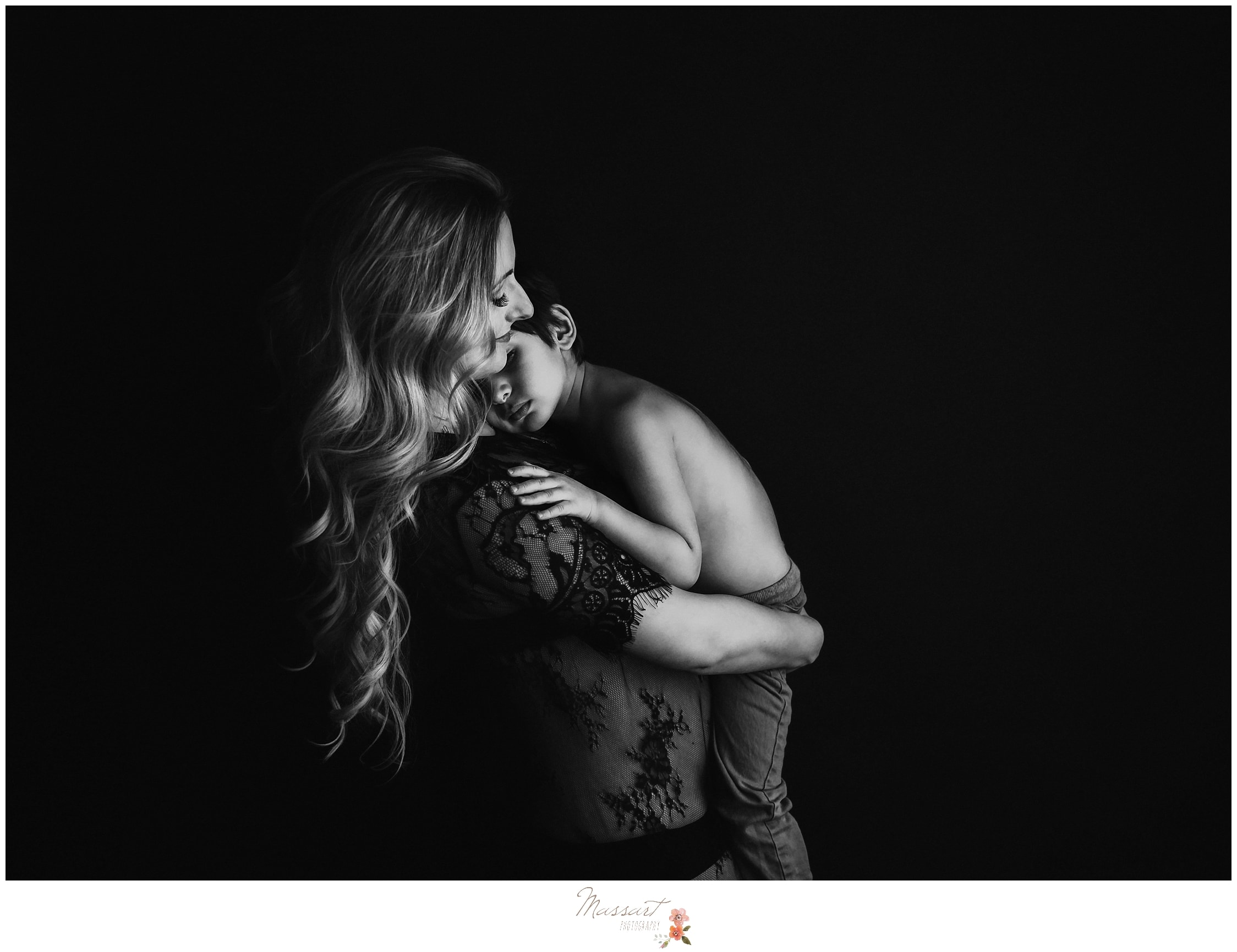 Artistic and timeless maternity photos with sibling by Massart Photography in Rhode Island