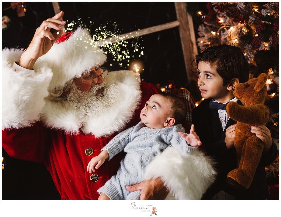 Magical Santa mini sessions at Massart Photography