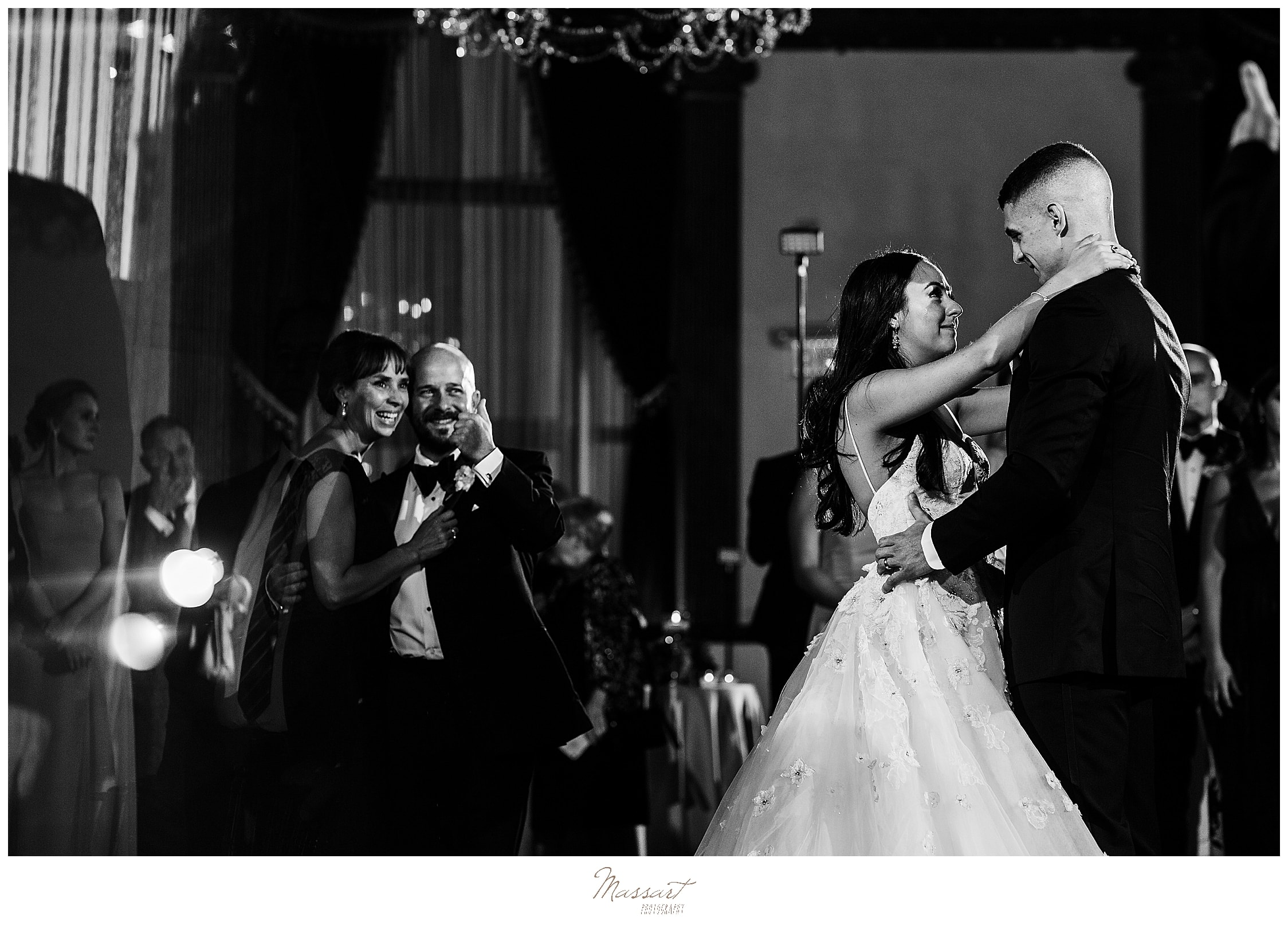 wedding dances photographed by wedding photographers Massart Photography