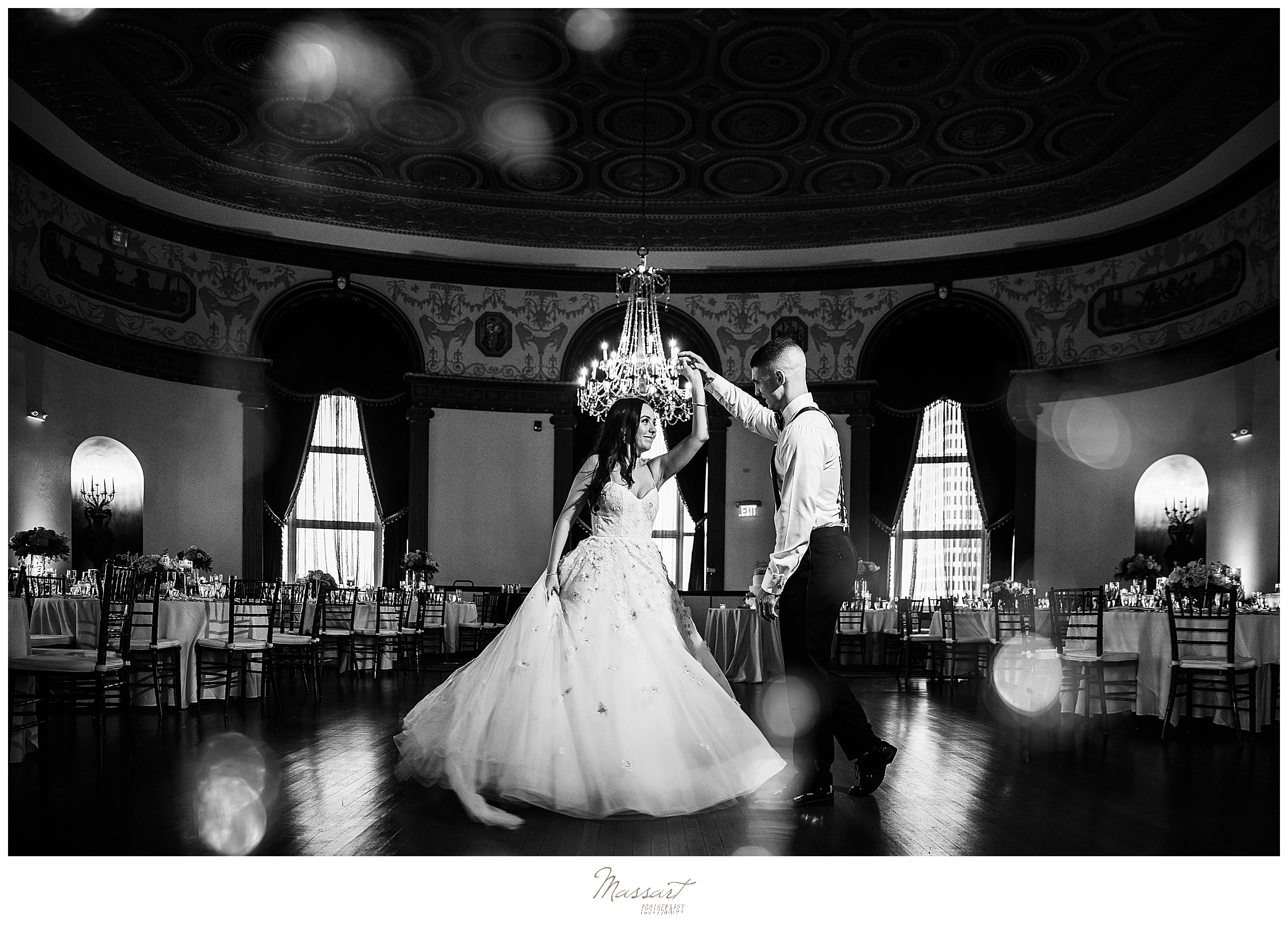 first dance photographed by wedding photographers Massart Photography