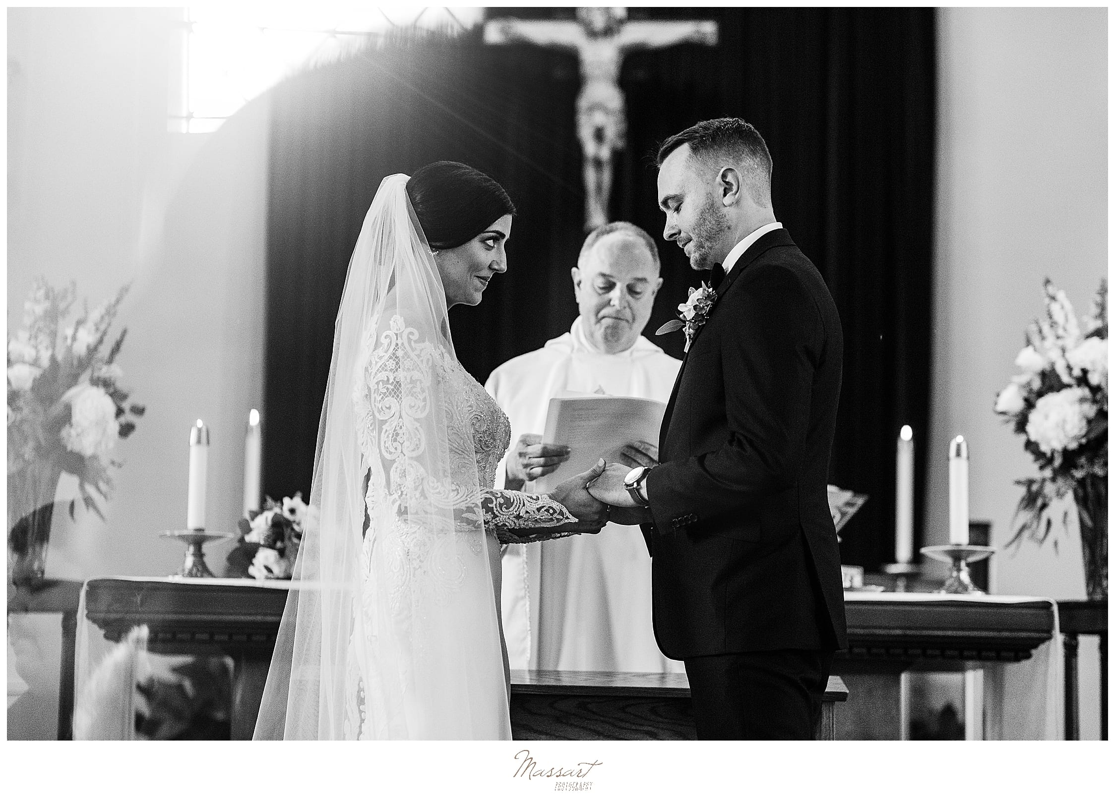 traditional wedding ceremony photographed by Massart Photography
