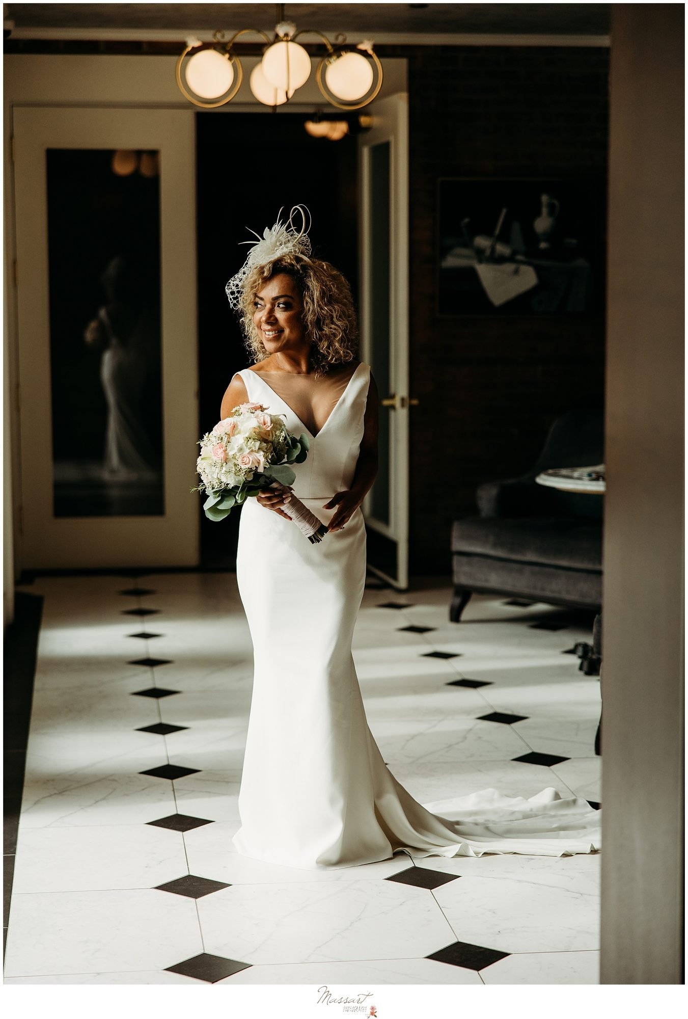 Bride gets ready to walk to her first look with RI photographers